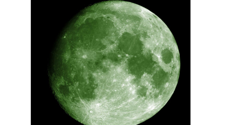 Hoaxers Will See Green Moon On April 20 After 420 Years