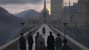 Fantastic Beasts 2,Fantastic Beasts: The Crimes of Grindelwald,Fantastic Beasts sequel,Harry Potter franchise,Fantastic Beasts 2 box office,Fantastic Beasts 2 reviews