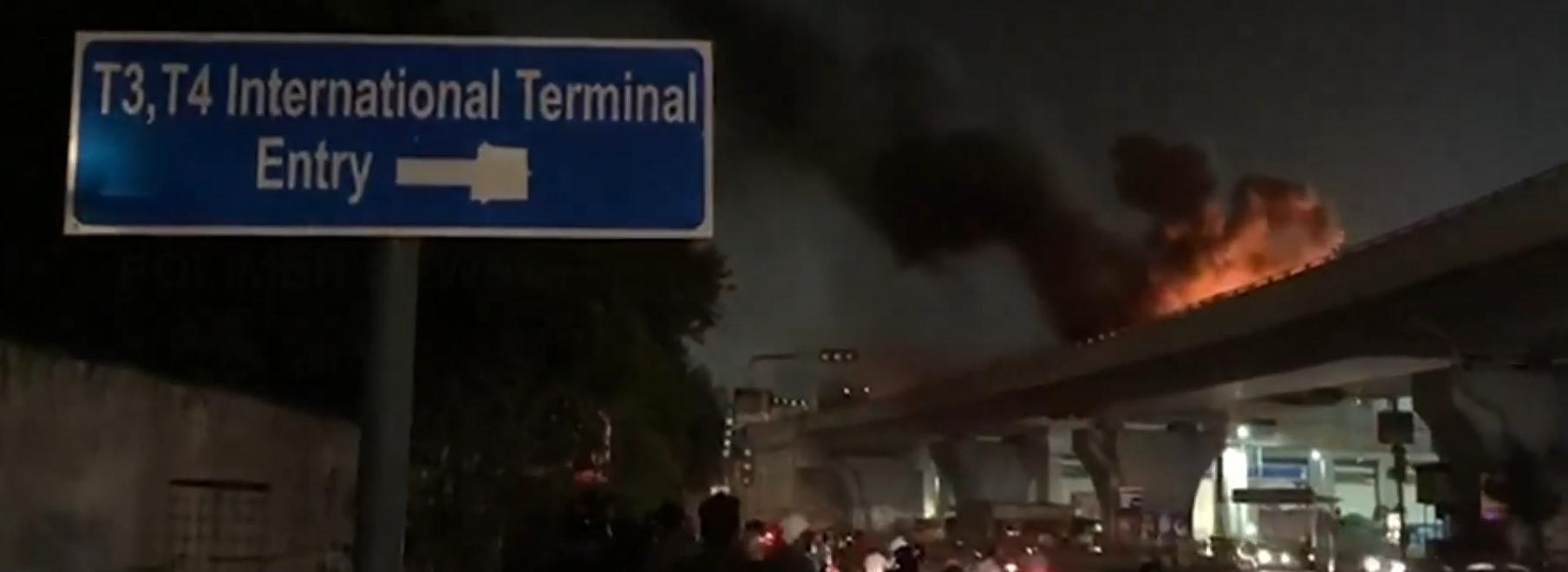 Chennai international airport flyover car fire. Photo credit : Polimer