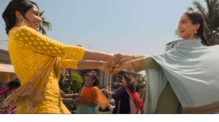 Sonam Kapoor and Regina in Ek Ladki Ko Dekha Toh Aisa Laga