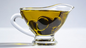 Extra Virgin Olive Oil in Diet Reduces The Risk of Dementia