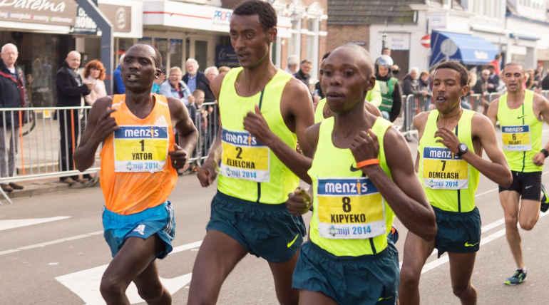 Marathon Runner Ruptures his Esophagus by Vomiting Too Hard